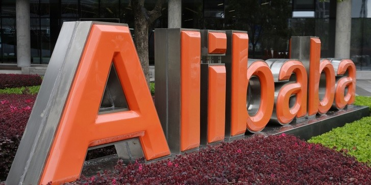 662fb1aad54a Yoox Net-A-Porter ink joint venture deal with Alibaba to target ...